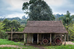 Una casa de madera vieja en Río Grande del Sur - el Brasil Imagen de archivo