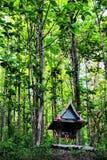 Una casa del alcohol en un bosque de Tailandia Imágenes de archivo libres de regalías