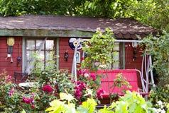 Una casa di campagna di legno Immagine Stock