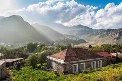 Una casa di campagna in Kazbegi - Georgia immagine stock libera da diritti