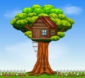 Una casa en el árbol ilustración del vector
