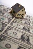 Una casa para la venta. Foto de archivo libre de regalías