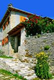 Una casa piedra-hecha tradicional del pueblo de Vitsa en el área de Zagoria imagen de archivo libre de regalías