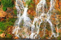 Una cascada hermosa en Dnipropetrovsk ucrania Imágenes de archivo libres de regalías