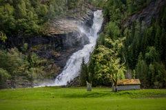 Una cascata in Norvegia Fotografia Stock Libera da Diritti