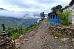 Una casetta del gurung nella traccia del santuario di Annapurna. L'Himalaya, Nepa fotografia stock