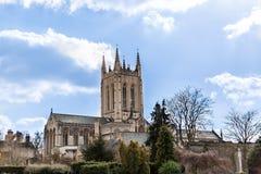 Una catedral en Inglaterra en un día soleado en otoño Imagenes de archivo