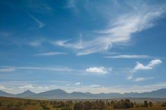 Una catena montuosa distante nel Sudafrica Immagini Stock Libere da Diritti