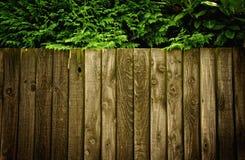 Una cerca de madera Fotos de archivo
