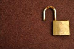 Una cerradura de cojín vieja oxidada Foto de archivo libre de regalías