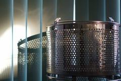Una cesta de acero con la sombra Foto de archivo libre de regalías