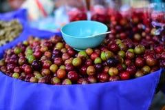 Una cesta de cereza Foto de archivo