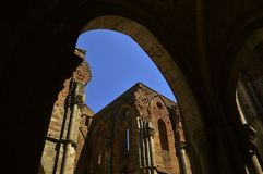 Una chiesa che ha cielo invece di un tetto Immagini Stock