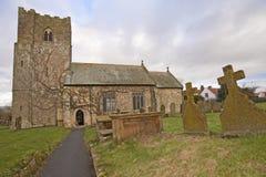 Una chiesa inglese del paese Immagine Stock