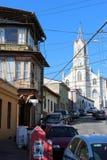 Una chiesa nella vecchia città pacifica del porto marittimo di Valparaiso, nel sito del patrimonio mondiale e nella capitale cult fotografie stock libere da diritti