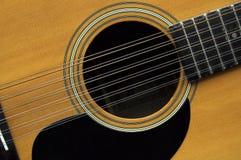 una chitarra delle 12 stringhe Fotografie Stock Libere da Diritti