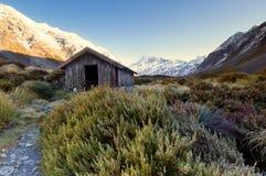 Una choza en la montaña Foto de archivo libre de regalías