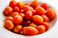 Una ciotola di pomodori dell'uva Fotografia Stock