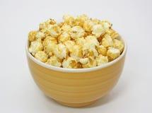 Una ciotola di popcorn fotografia stock
