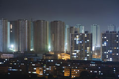 Una città cinese tipica, notte vie Immagine Stock