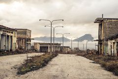 Una ciudad abandonada en Ptolemaida Grecia imágenes de archivo libres de regalías