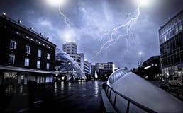 Una ciudad del fantasma durante la tempestad de truenos Fotografía de archivo libre de regalías