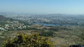 Una ciudad desde arriba fotografía de archivo