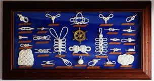 Una colección decorativa de nudos marinos Fotografía de archivo