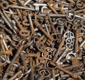Una colección de la vieja y oxidada llave Foto de archivo libre de regalías