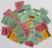 Una collezione del colourfull di biglietti ferroviari britannici Immagine Stock Libera da Diritti