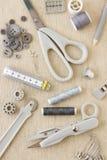 Needlecraft e strumenti di cucito fotografie stock libere da diritti