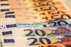 Una composizione di euro banconote immagine stock libera da diritti