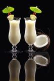Una coppia di cocktail di Piña Colada immagine stock libera da diritti