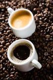 Una coppia di tazze di caffè Fotografia Stock