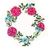Una corona dei fiori variopinti di estate su un fondo bianco isolato Decorazione per una festa royalty illustrazione gratis