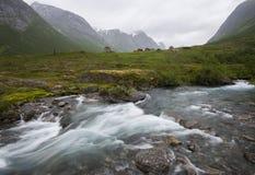 Una corriente de precipitación en Noruega Fotos de archivo libres de regalías
