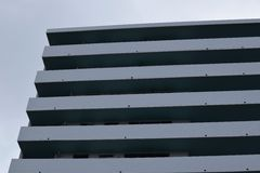 Una costruzione blu Immagini Stock Libere da Diritti
