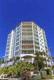 Una costruzione costiera del condominio Fotografia Stock Libera da Diritti