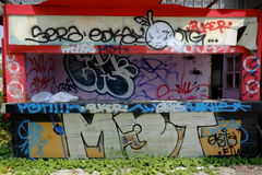 Costruzione coperta nei graffiti Fotografia Stock