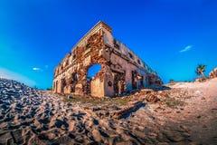 Una costruzione distrutta nel dhanushkodi della città fantasma Fotografie Stock Libere da Diritti