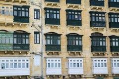Una costruzione a terrazze a Malta Fotografie Stock Libere da Diritti