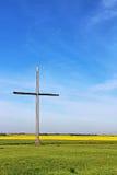 Una cruz de madera Imagen de archivo