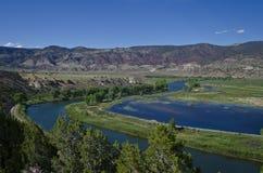 Una curva larga en el Green River Imagen de archivo libre de regalías