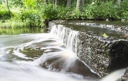 Una de las cascadas más hermosas de la cascada de Estonia - de Treppoja Fotografía de archivo libre de regalías