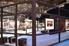 Una de las muchas galerías en la expo internacional de la fotografía de Xposure, Sharja, 2017 Fotos de archivo libres de regalías