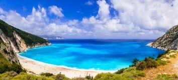 Una de las playas más hermosas de la bahía de Grecia Myrtos en Kefal imagen de archivo libre de regalías