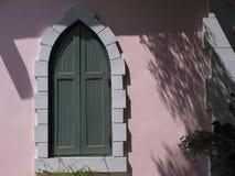 Una de las ventanas grises distintivas Foto de archivo libre de regalías