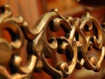 Una decoración adornada antigua para la decoración de un piano del instrumento musical imagenes de archivo