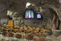 Una delle cappelle della chiesa della caverna nella caverna i della collina di Gellert Immagine Stock Libera da Diritti