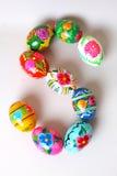 Una delle lettere del ` di Pasqua del ` di parola Le lettere sono fatte delle uova di Pasqua Fotografia Stock Libera da Diritti